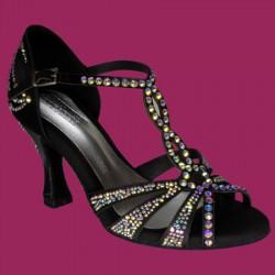 Sandalo in raso tempestato di strass multicolor.